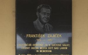 Ústí nad Labem. Pamětní deska Františku Zajíčkovi