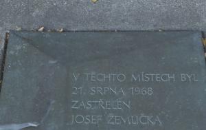 Brno-Bohunice. Pamětní deska Josefu Žemličkovi