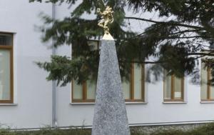 Brno-Bystrc. Pomník tří odbojů