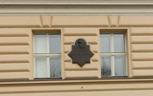 Praha 1. Pamětní deska Karlu Janouškovi