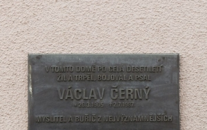 Praha 6. Pamětní deska Václavu Černému