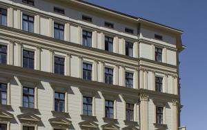 Brno-střed. Pamětní deska Velenu Fanderlikovi