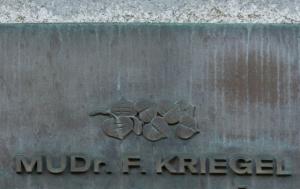 Praha 4. Pamětní deska Františku Kriegelovi