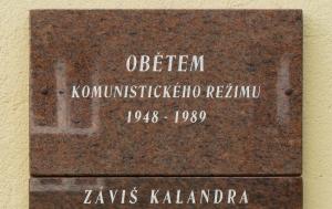 Frenštát pod Radhoštěm. Pamětní deska obětem komunismu