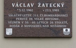 Novosedly nad Nežárkou. Pamětní deska Václavu Žateckému