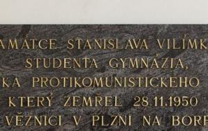 Pelhřimov. Pamětní deska Stanislavu Vilímkovi