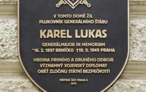 Praha 6. Pamětní deska Karlu Lukasovi