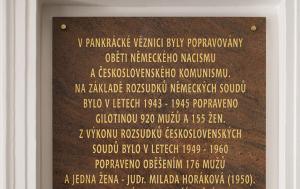 Praha 4. Pamětní deska obětem nacistického a komunistického režimu