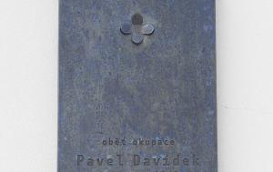 Praha 10. Pamětní deska Pavlu Davídkovi