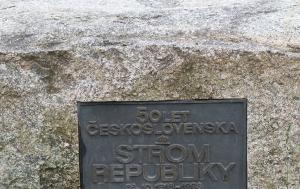 Praha 4. Pamětní deska u skautské Lípy republiky