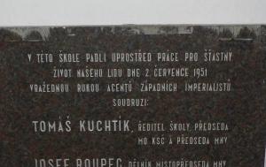 Babice. Pamětní deska funkcionářům místního národního výboru