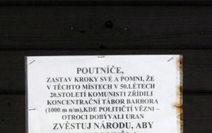 Jáchymov. Pamětní deska politickým vězňům